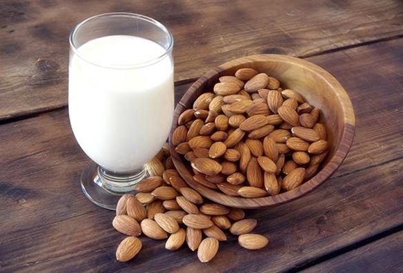 leche de almendras para reducir abdomen