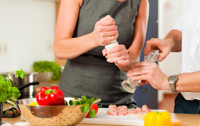 demasiada sal a la comida produce hinchazon